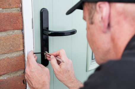 TOP REASONS WHY PEOPLE NEED EMERGENCY LOCKSMITH SERVICES
