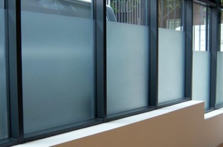 WHY TO CHOOSE FROSTED WINDOW PRIVACY FILMS FOR YOUR OFFICE
