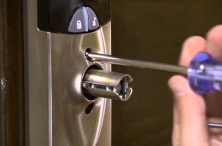 THE BENEFITS OF A LOCKSMITH SERVICE